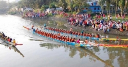 মধুখালীর ঐতিহ্যবাহী নৌকাবাইচ দেখতে মানুষের ঢল